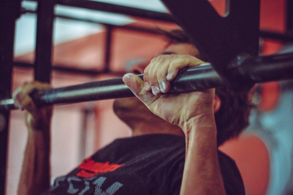pull up oefening lichaamsgewicht