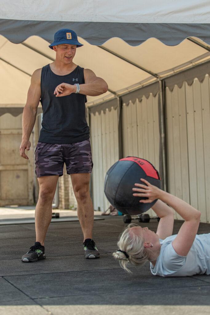 sporten met een personal trainer